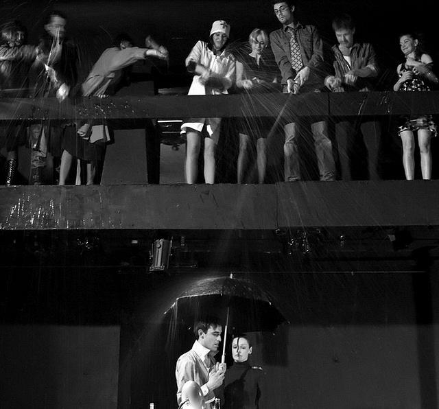 """Сцена из спектакля """"Бедные люди, блин"""". Реж. Денис Шибаев"""