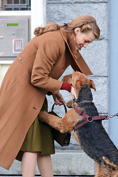 Blake Lively greets the on-set doggy **NO Canada, Germany, Austria**