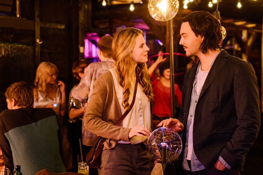 Posthumous Posthumous Film GmbH 30.11.2012,  day 30 scene 92 HOTEL PANAMA McKenzie and Liam start drink and dance. They talk about life and happiness. Persona  Liam Price(Jack Huston) Persona  McKenzie Grain (Brit Marling) Persona  Tomas (Taan Newjam) photo: Stefan Erhard
