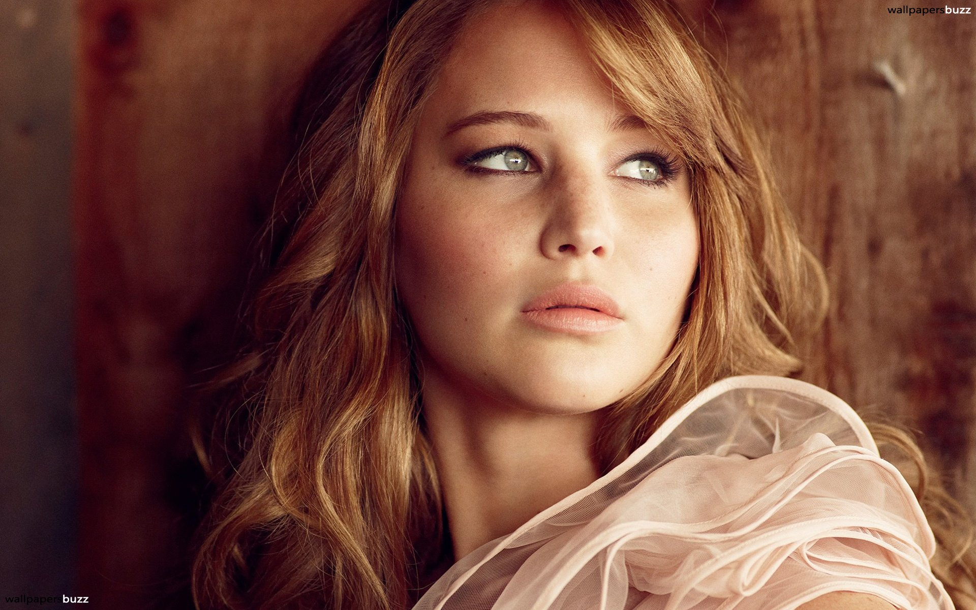 b_jennifer-shrader-lawrence-with-flowing-hair