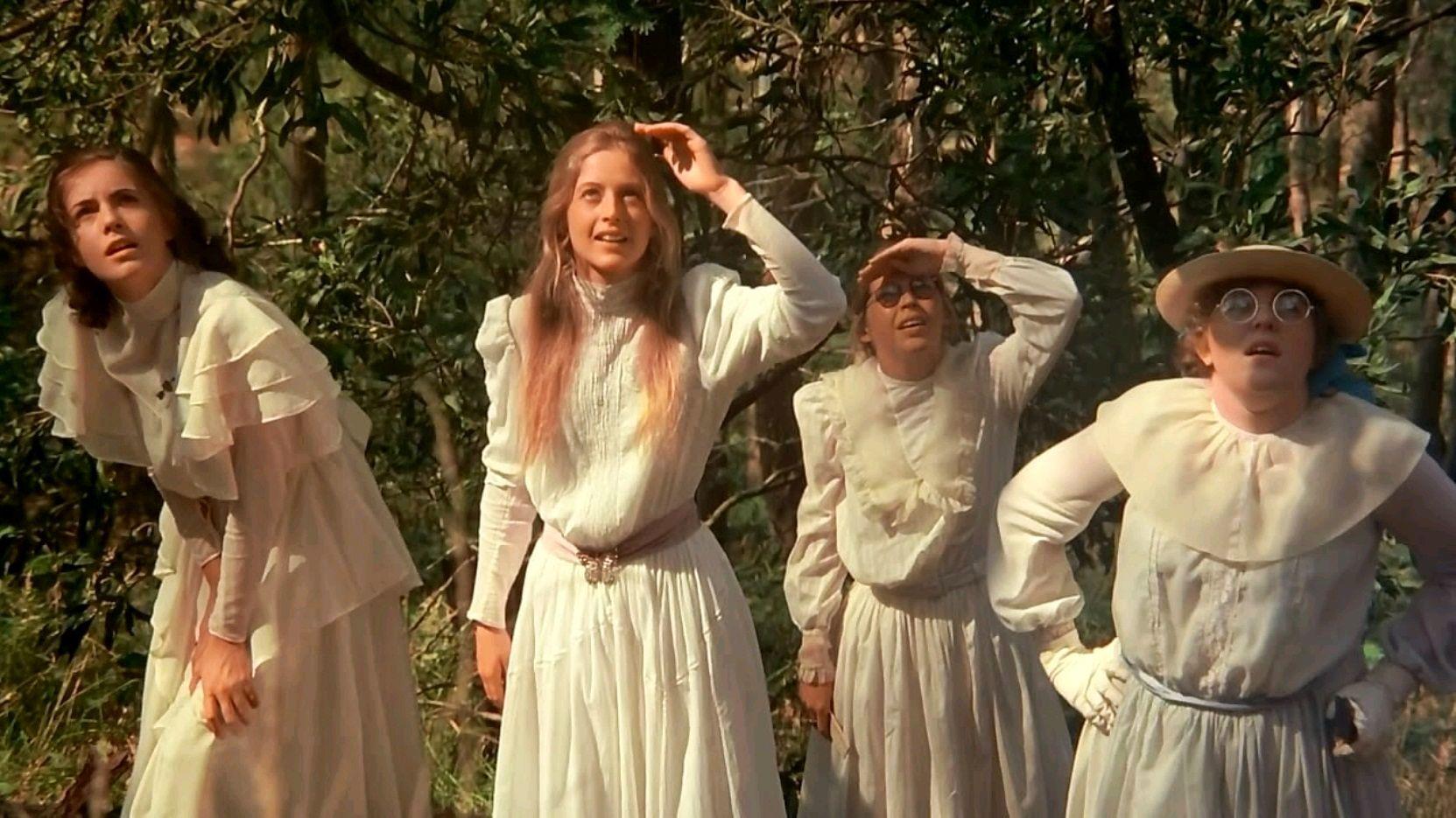 Luchshie-filmyi-v-retsenziyah-Piknik-u-Visyachey-skalyi-Picnic-at-Hanging-Rock-1975-2