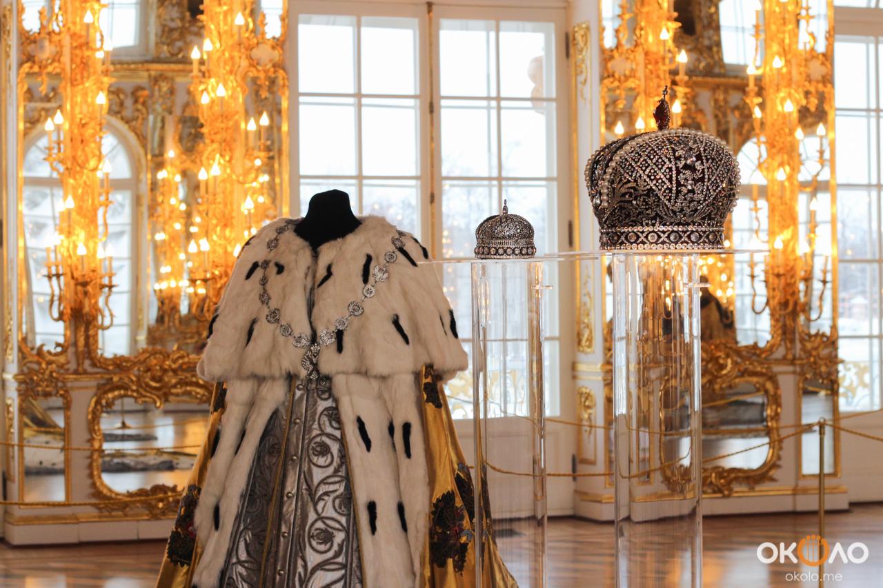 многие дорогие платья императриц в эрмитаже фото ведет дневной образ